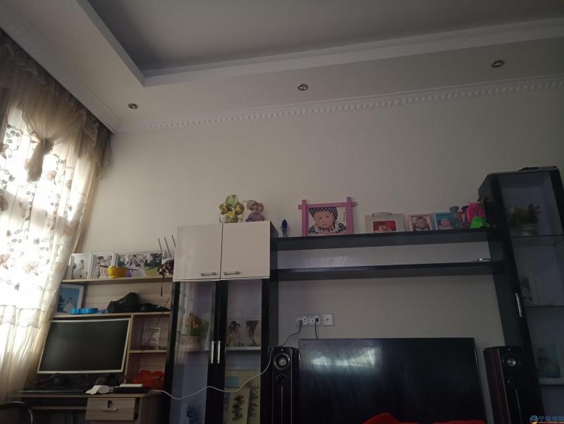 P90221-090739.jpg
